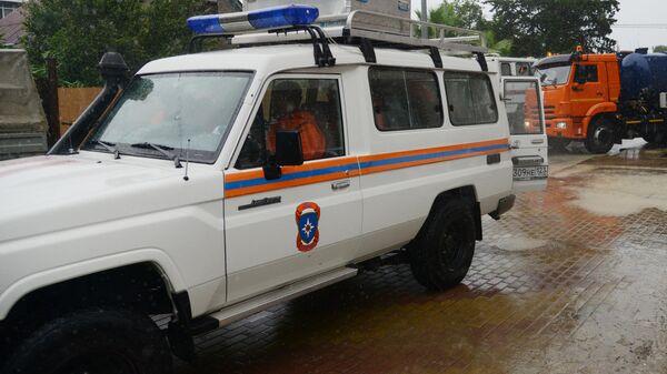 В Сочи трех детей и двух взрослых эвакуировали из подтопленного детсада
