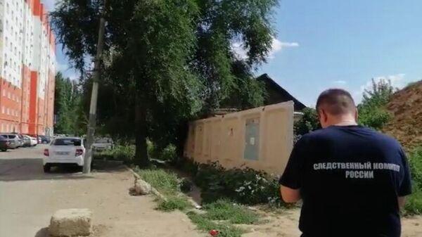 Неподалеку от дома № 95-а по улице Фридриха Энгельса в городе Энгельсе был обнаружен младенец в целлофановом пакете