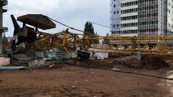 На месте падения башенного крана в Набережных Челнах