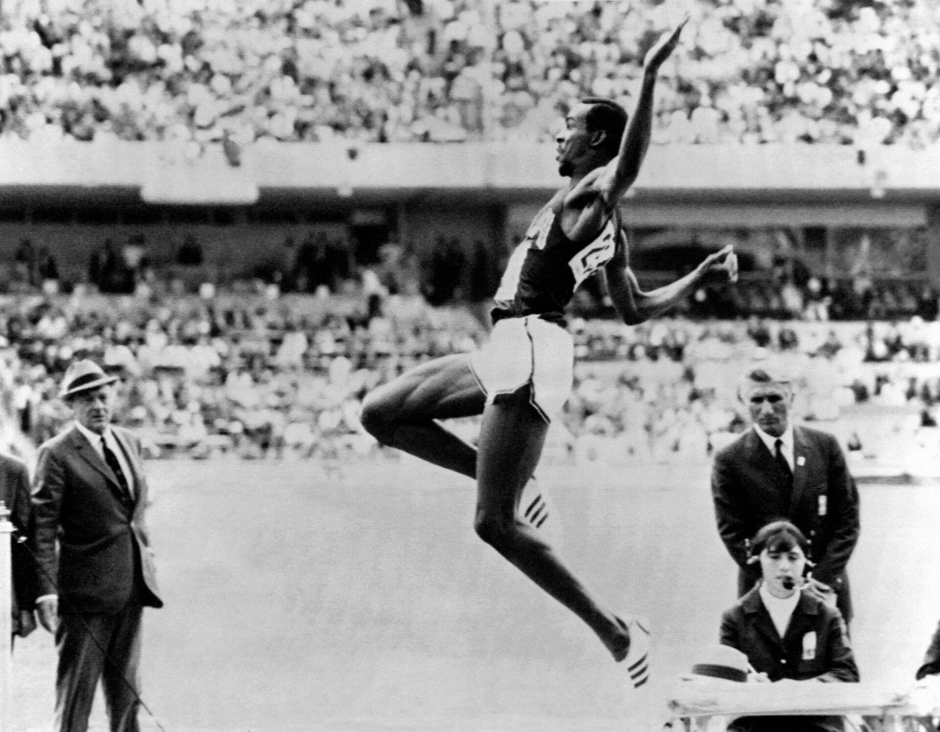 Боб Бимон на Олимпийских играх 1968 года в Мехико - РИА Новости, 1920, 12.07.2021