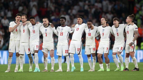Футболисты сборной Англии во время послематчевой серии пенальти