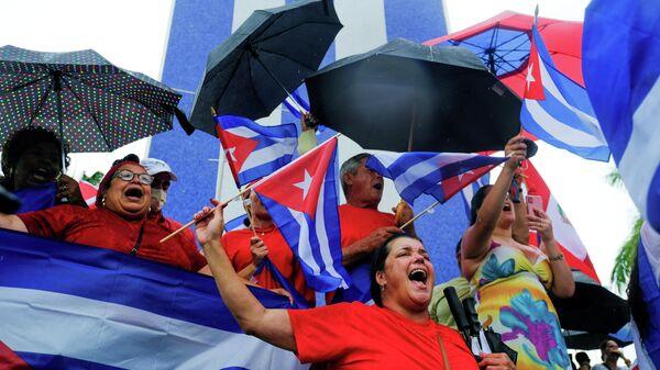 Митинг эмигрантов в районе Маленькая Гавана в США