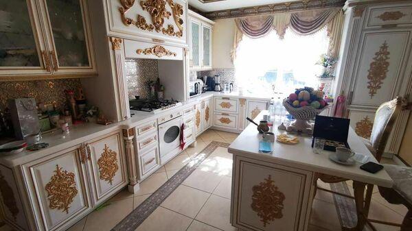 Кухня в доме главы ГИБДД по Ставропольскому краю Алексея Сафонова