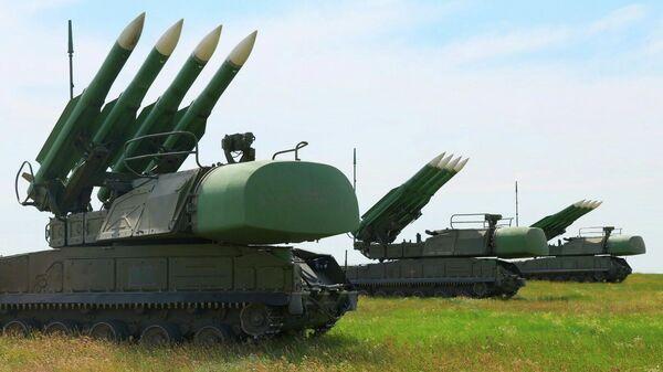 Зенитно-ракетные комплексы Бук украинских ВС в районе границы с Крымом