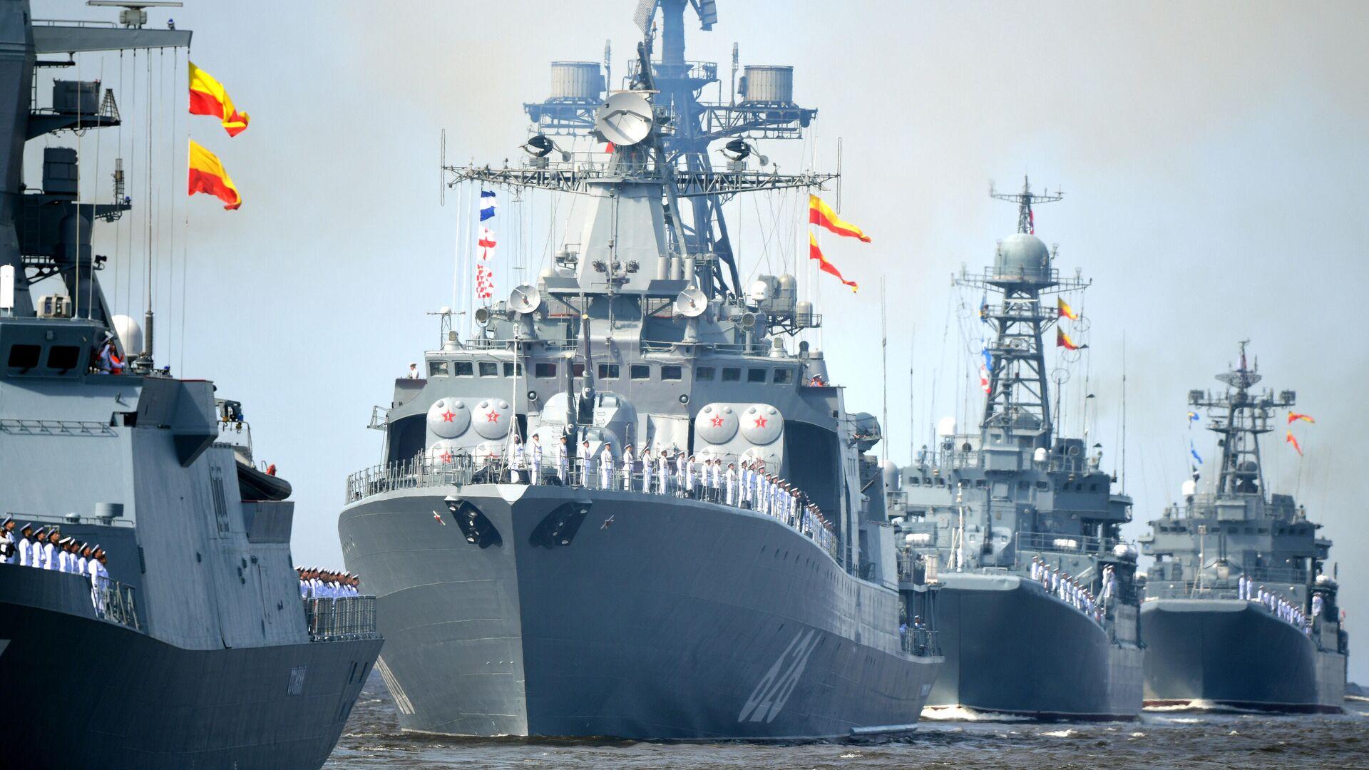 Корабли ВМФ России на репетиции парада в честь Дня военно-морского флота в Кронштадте - РИА Новости, 1920, 24.07.2021
