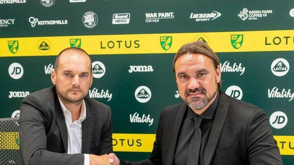 Даниель Фарке (справа)