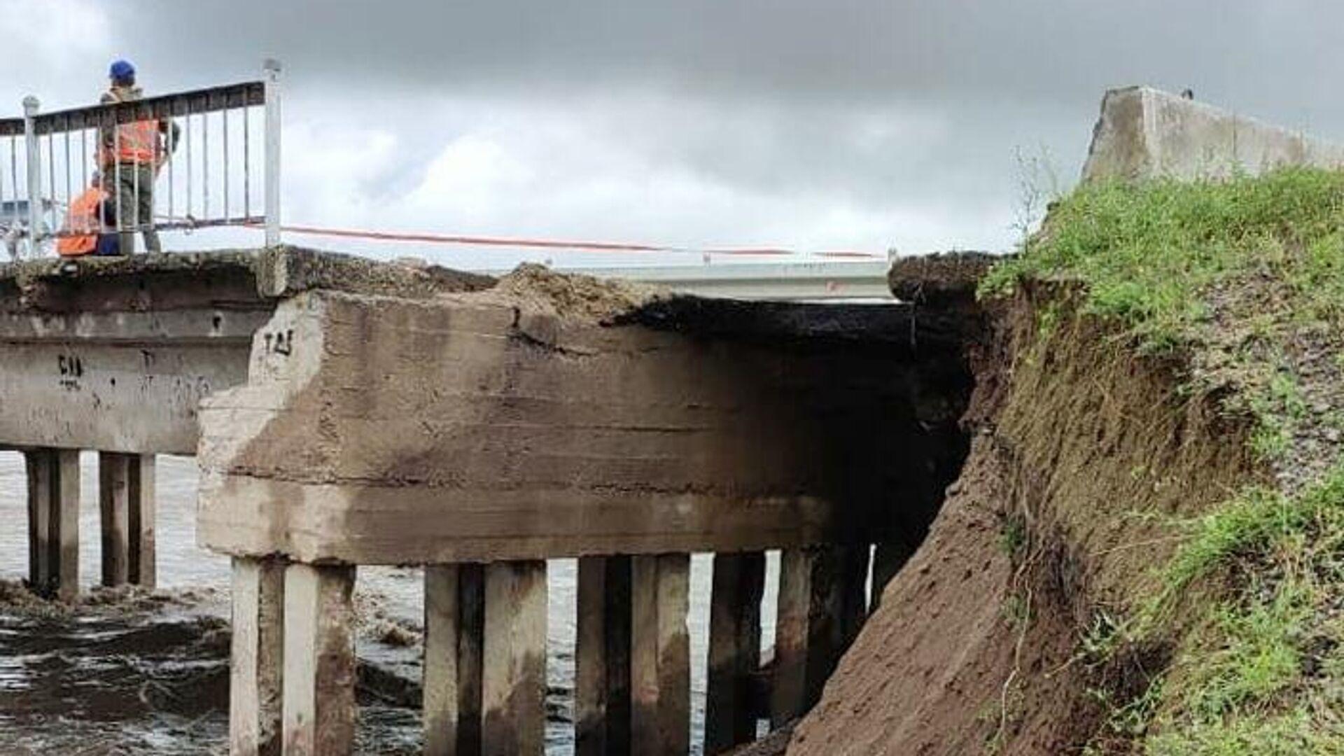Частичное обрушение железнодорожного моста в районе села Дунаево Сретенского района Забайкалья - РИА Новости, 1920, 28.07.2021
