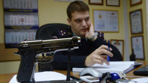 Сувенир на рабочем столе старшего лейтенанта полиции Анатолия Арабкина в Москве