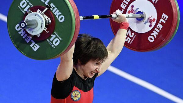 Тяжелоатлетка Кристина Соболь (Россия)