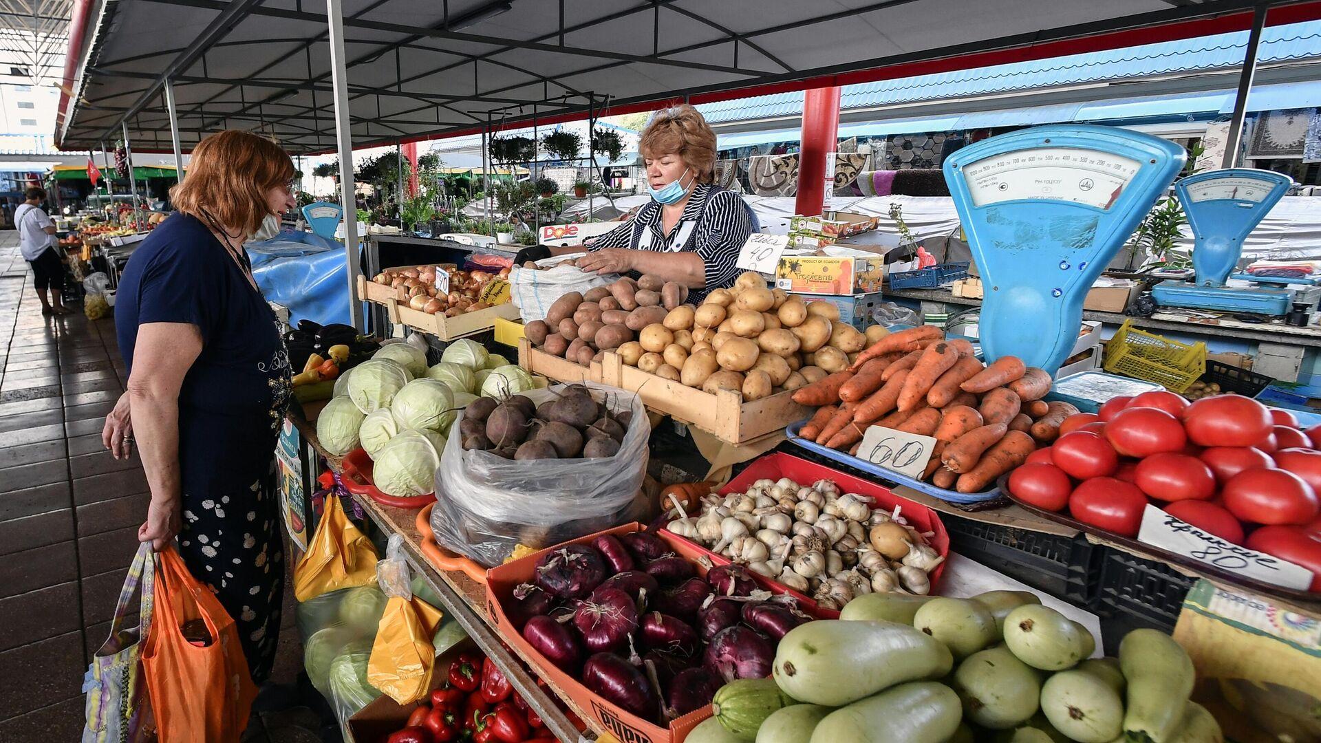 В России подешевели морковь, капуста и лук