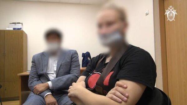 Мне все равно: следователи предъявили обвинение матери, бросавших малолетних детей одних