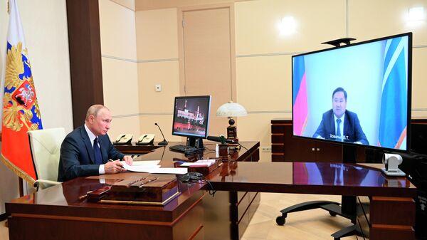 Президент РФ В. Путин провел встречу с врио главы Тывы В. Ховалыгом