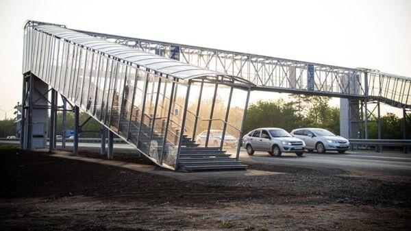 На Нежинском шоссе завершено устройство четырех надземных пешеходных переходов