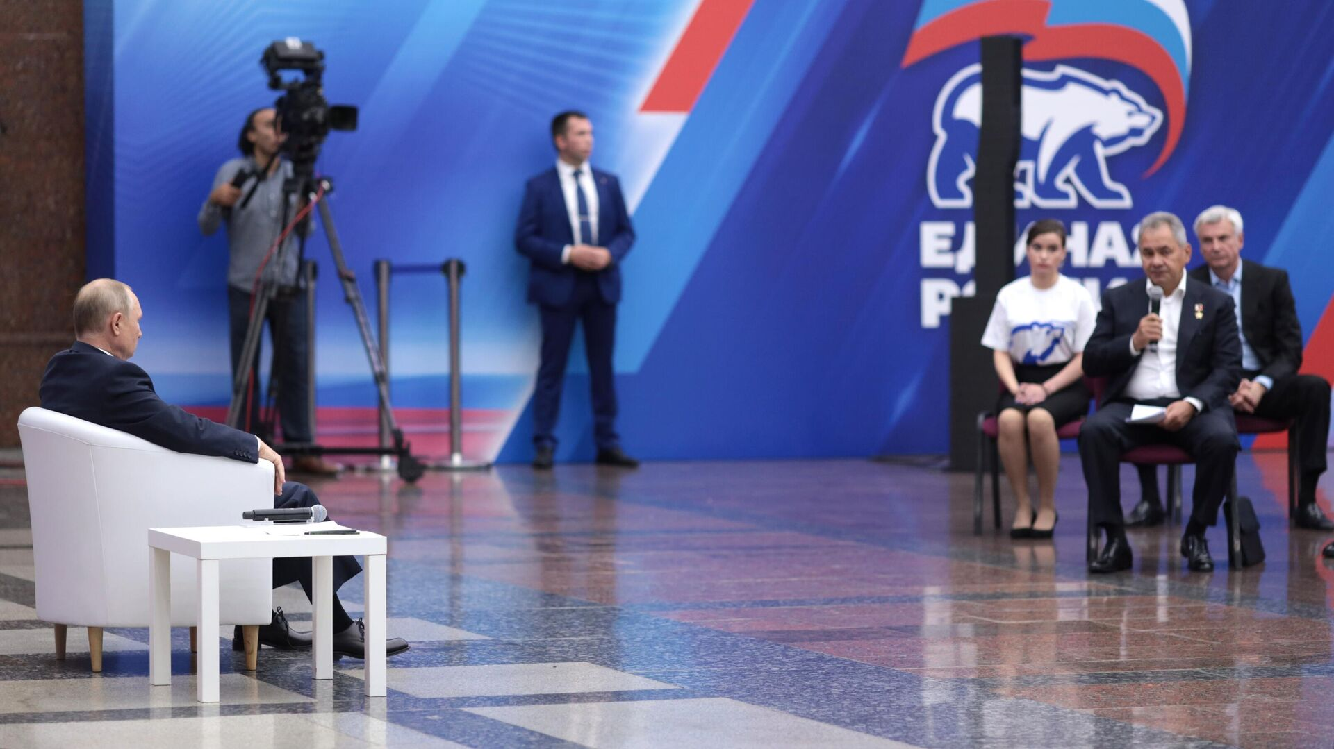 """Все обещания """"Единой России"""" должны быть реализуемыми, заявил Путин"""