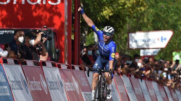 Французский велогонщик команды Deceuninck - Quick Step Флориан Сенешаль