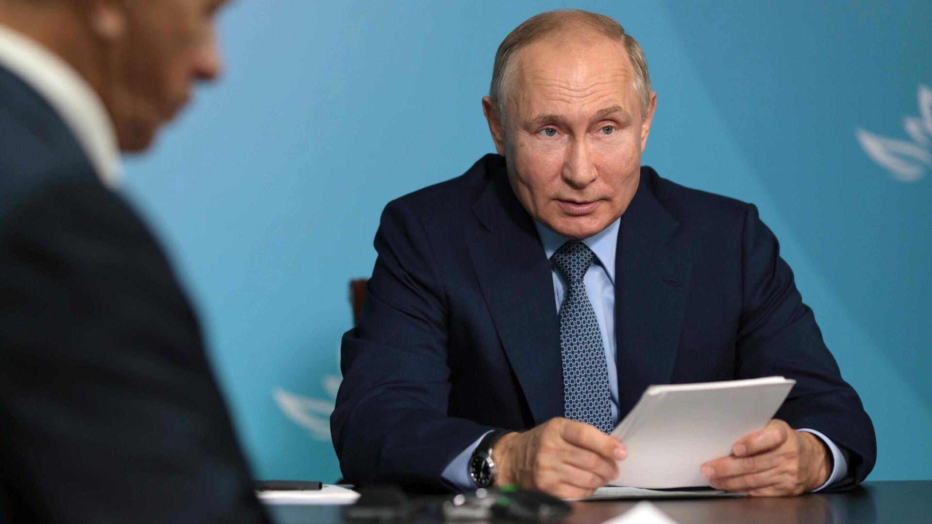 Путин призвал продолжать развитие Дальнего Востока