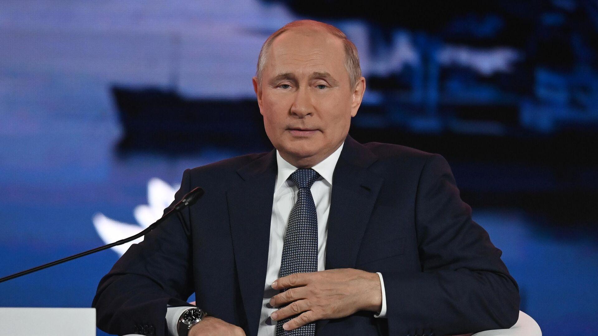 """Лидеры списка """"Единой России"""" сами решат, идти ли в Госдуму, заявил Песков"""