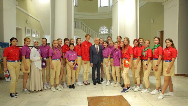 Геннадий Онищенко в МДЦ Артек
