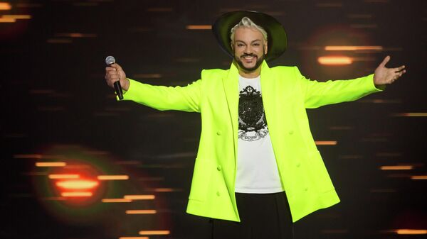 Промо-фото нового шоу Дуэты на телеканале Россия