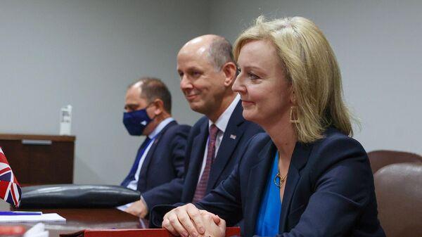 Министр иностранных дел Великобритании Элизабет Трасс во время встречи с министром иностранных дел РФ Сергеем Лавровым в рамках 76-й сессии Генеральной Ассамблеи ООН
