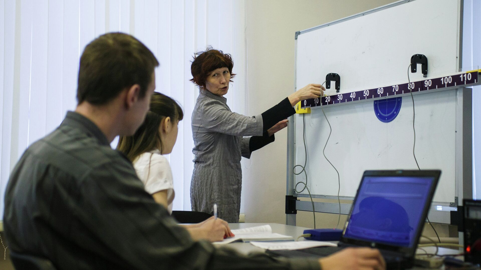 Урок физики в средней школе - РИА Новости, 1920, 22.09.2020
