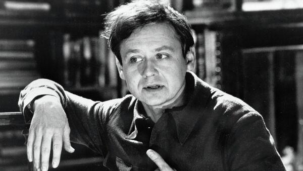 Актер Олег Табаков в роли Виктора Балакирева в кинофильме Случай с Полыниным, 1972 год
