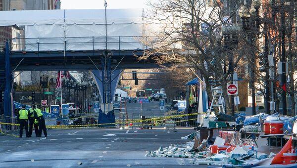 Сотрудники полиции на месте взрыва в Бостоне. Архивное фото