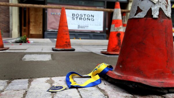 Место взрыва, произошедшего во время Бостонского марафона