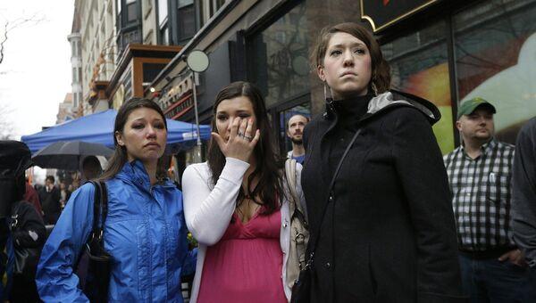 Траурные мероприятия в день годовщины теракта на международном марафоне в Бостоне
