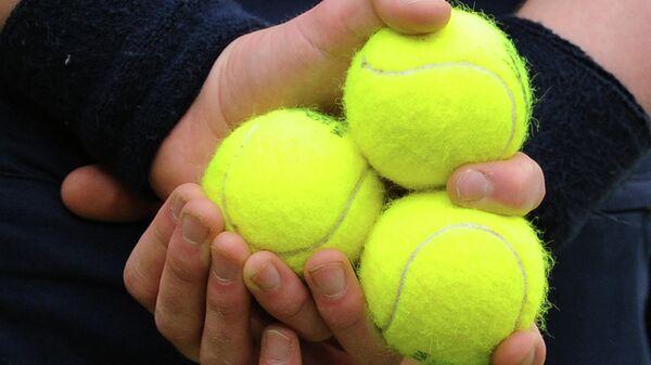 Теннисные мячи, архивное фото