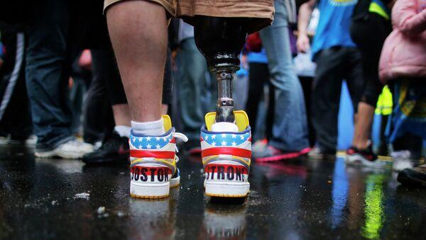 Постадавший во время теракта в Бостоне в день годовщины на международном марафоне