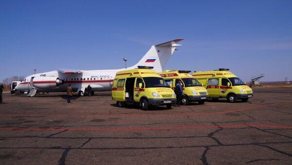 Санитарный рейс МЧС РФ. Архивное фото