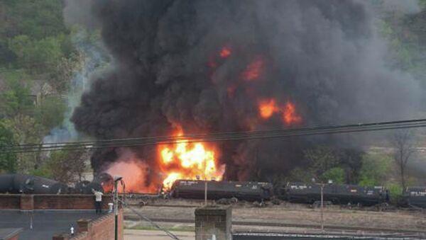 Поезд сошел с рельсов в штате Вирджиния, США