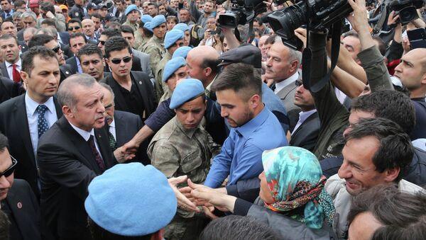 Премьер-министр Турции Тайип Эрдоган в городе Сома