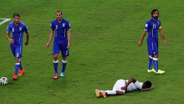 Матч Италия-Англия в рамках ЧМ-2014 по футболу