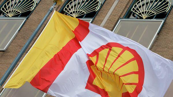 Флаг компании Shell, архивное фото