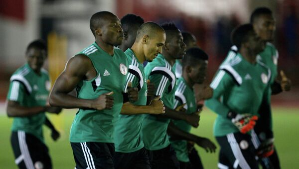 Тренировка футболистов сборной Нигерии перед 1/8 финала чемпионата мира