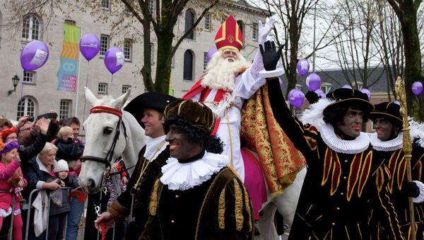 Голландский Дед Мороз Синтерклаас и его помощники. Архивное фото.