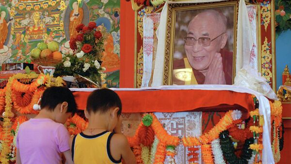 Буддисты Калмыкии отмечают День рождения Далай-ламы XIV