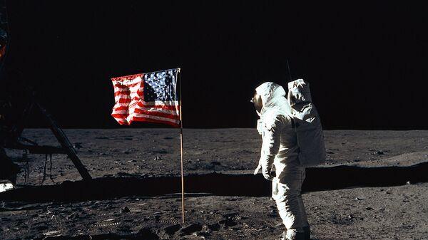 Астронавт Базз Олдрин на поверхности Луны