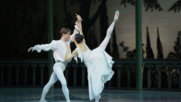 Диана Вишнева и Владимир Шкляров в балете Ромео и Джульетта в постановке Мариинского театра. Архивное фото