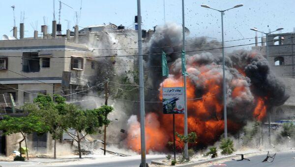 ВВС Израиля нанесли авиаудар по центру Газы, разрушив жилой дом