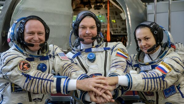 Тренировка основного экипажа МКС-41/42 на тренажере корабля Союз ТМА-М