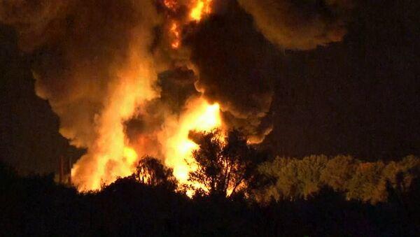 Столб огня поднялся на десятки метров  после взрыва на химзаводе в Германии