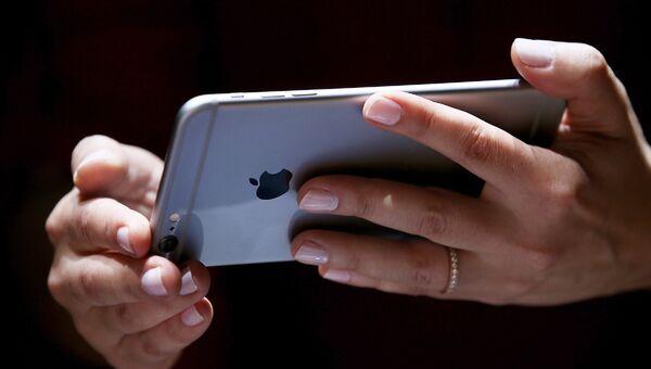 Новый айфон 6 от компании Apple. Архивное фото