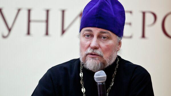 Декан факультета психологии Российского православного университета, священник Петр Коломейцев