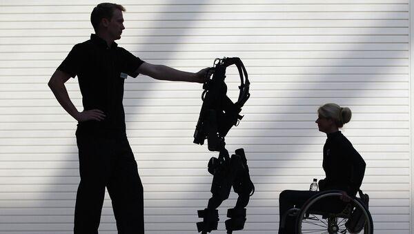 Экзоскелет для инвалидов. Архивное фото