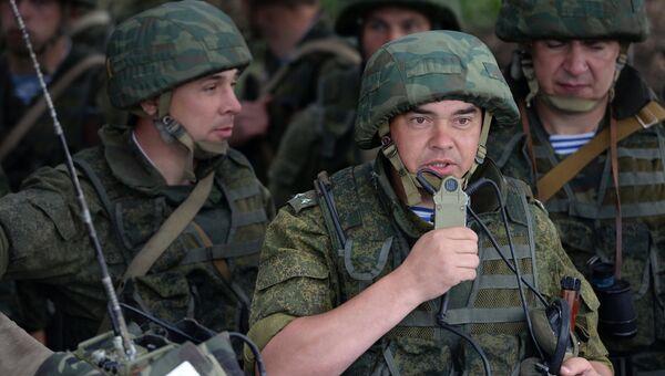 Военнослужащие во время учений, архивное фото