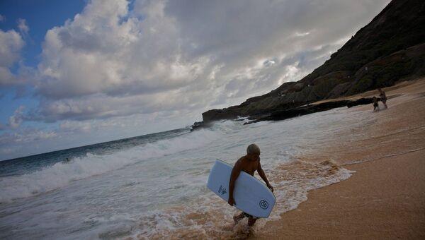 Пляж в Гонолулу, Гавайи, 2008 год. В Гонолулу родился и учился в школе Барак Обама