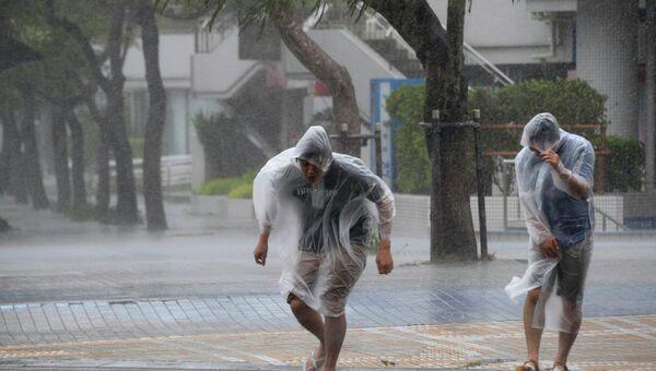 Тайфун Вонгфонг в Японии